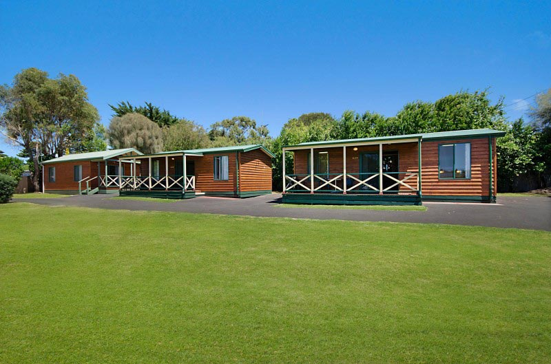 Port Fairy Accommodation | Deluxe two Bedroom Cabins