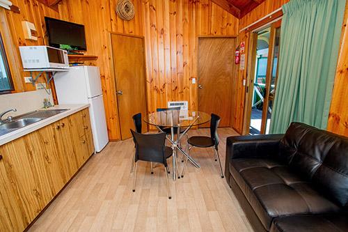 cabinMahogany-933