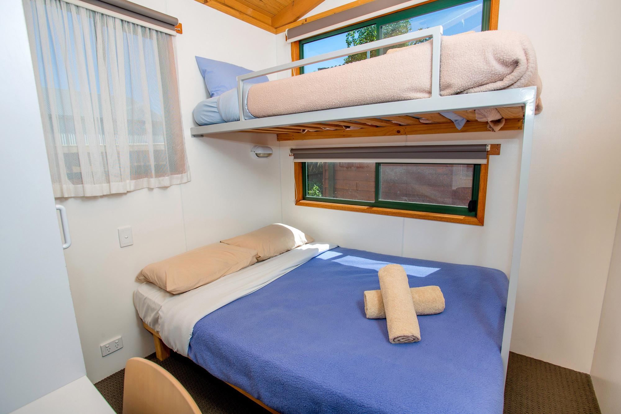 cabinSquatter-743